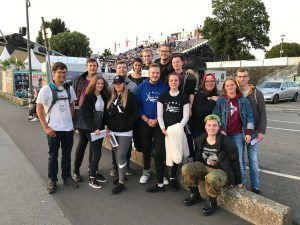 Gruppenbild des Juleica-Aktionstag der ejd im alltours Open Air Kino